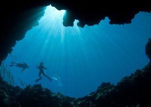 BOI Bahamas Blue hole diving