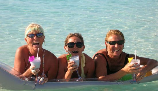 Blog | 4 booze-filled activities for holiday beaching | MYOUTISLANDS.COM