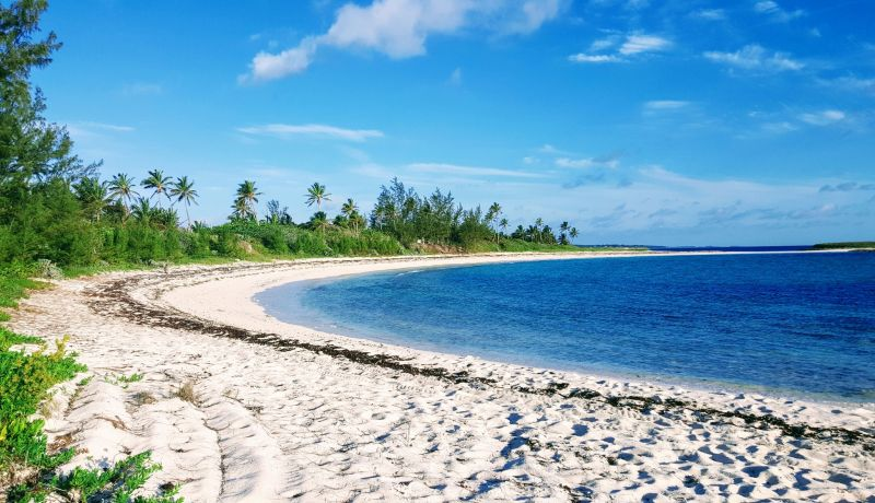 Blog | This dirt road in Governors Harbour reveals undercover beaches | caribbeantravel.com